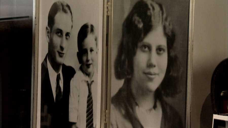 Foto de James Dean con sus padres