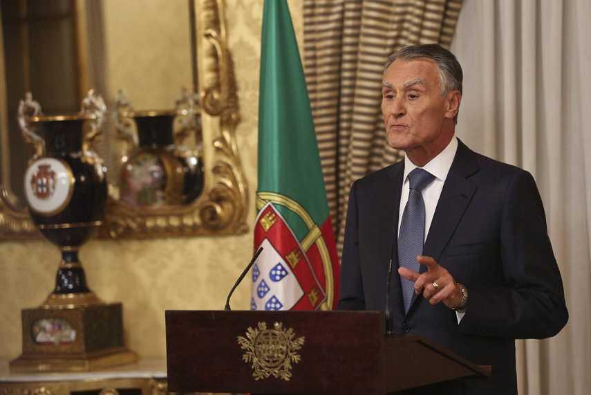 El presidente de Portugal, Aníbal Cavaco Silva, anuncia el nombramiento de Passos Coelho como primer ministro