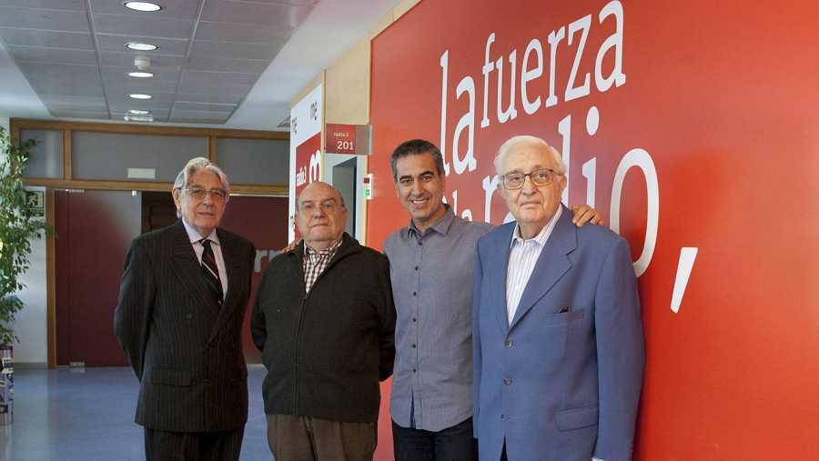Alfredo Amestoy, Fernando García de la Vega, Arturo Martín y Mariano Ozores, en los estudios de Rne