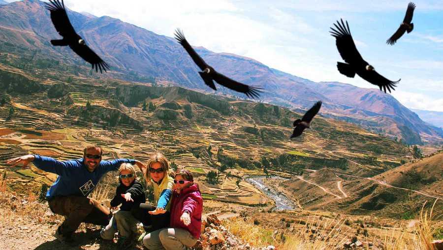 El Valle del cola esta salpicado de pequeños pueblos que dejan ver el ambiente mas rural de Peru. Allí nos esperan las puertas de infierno y el majestuoso Condor.
