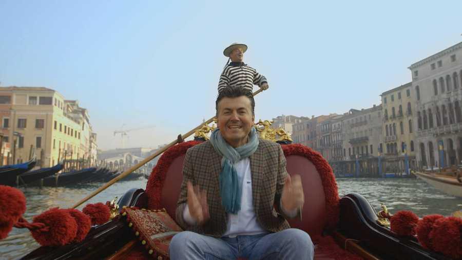 Ramon Gener, de paseo en góndola por los canales venecianos