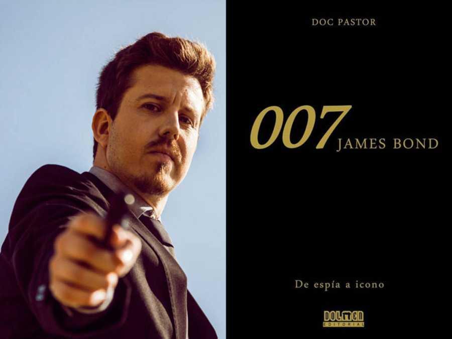 Doc Pastor fotografiado por Alex Llopis y portada de '007.James Bond. De espía a icono'