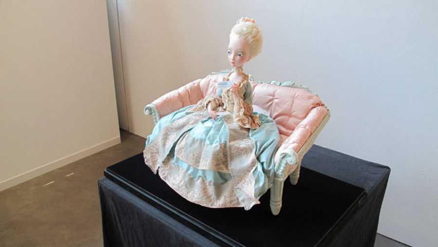 Muñeca de María Antonieta en la exposición 'María Antonieta. Diario de una reina'