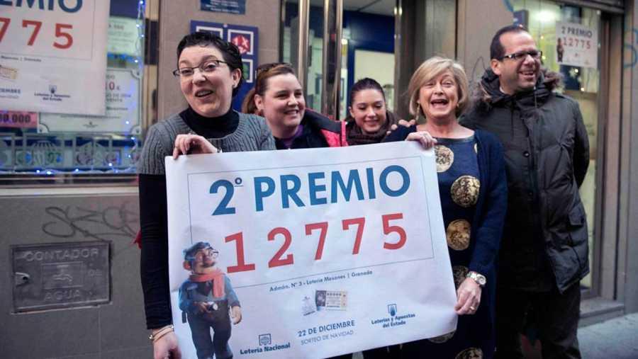Granada celebra el segundo premio de la Lotería de Navidad.