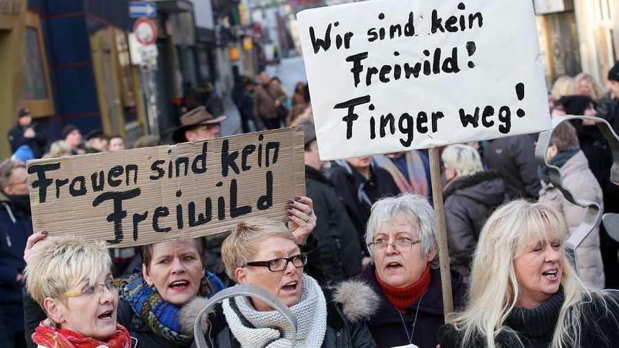 Mujeres alemanas protestan en Hamburgo contra la violencia sexual