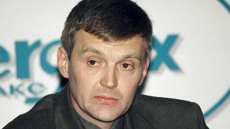 Foto de archivo del ex espía ruso Alexander Litvinenko, tomada en Moscú en 1998