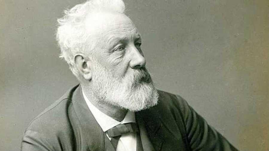 Julio Verne (8 de febrero de 1828, Nantes, Francia/24 de marzo de 1905, Amiens, Francia)