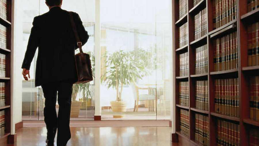Abogado en un despacho notarial