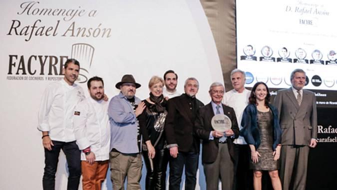 Fotografía del homenaje a Rafael Ansón