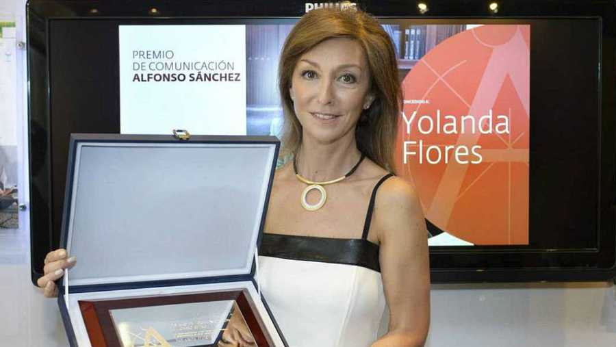 Yolanda Flores dirige y presenta 'De película'