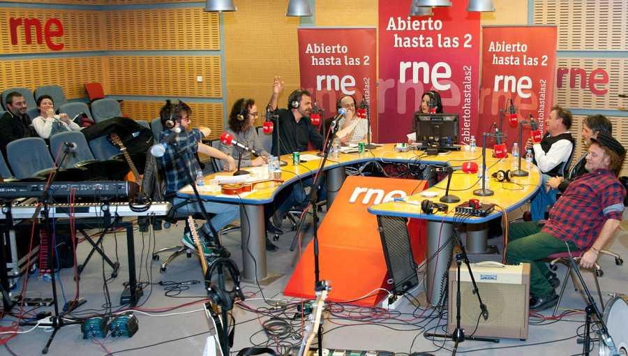 Un momento del programa, con Los Toreros Muertos, Antílopez y compañía