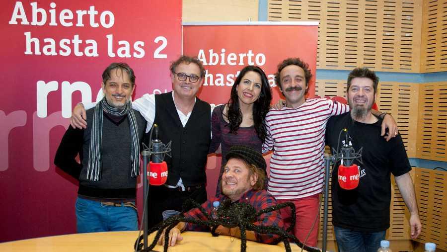 Paloma Arranz, con Los Toreros Muertos