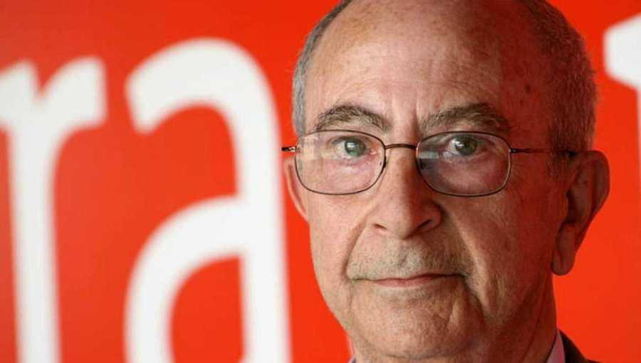 El profesor José María Letona
