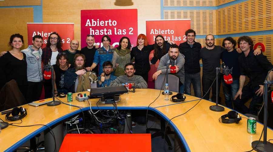 Aurora & The Betrayers, con todo el equipo de 'Abierto hasta las 2'