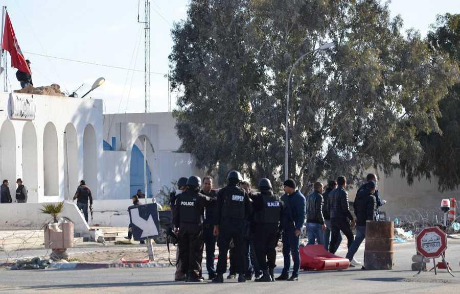 Miembros de las fuerzas especiales tunecinas se reagrupan en Ben Guerdan