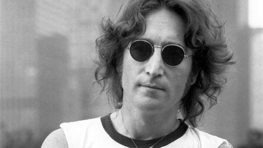 Lennon murió asesinado en Nueva York el  8 de diciembre de 1980
