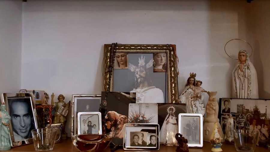Bibiana Fernández tiene un altar en su casa