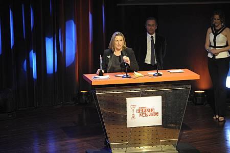 Ana M. Bordas recogió el premio para Clan