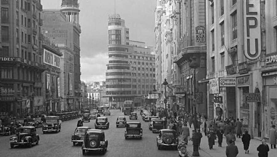 La construcción de Gran Vía comenzó en 1910 y concluyó en 1929