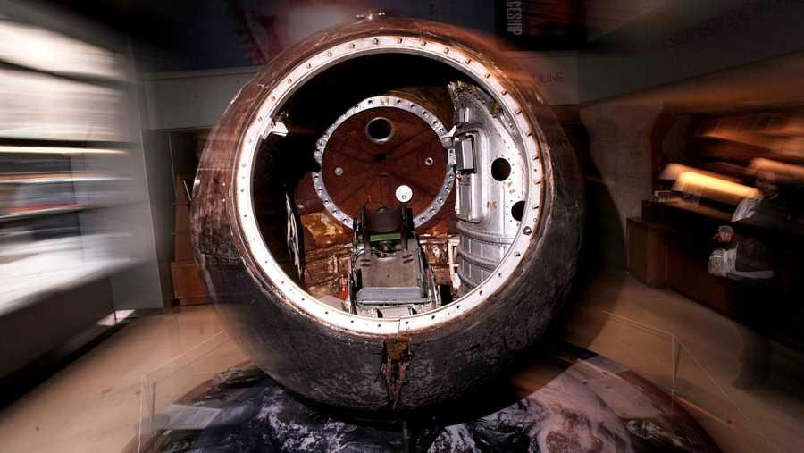 Imagen del interior de la cápsula espacial Vostok 3Ka-2.