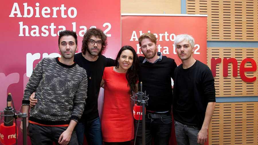Paloma Arranz, con los últimos invitados al programa
