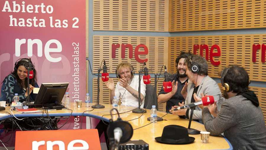 Paloma Arranz, con Shuarma, Jordi Ramiro, Julio Cascán y Hugo Toscano