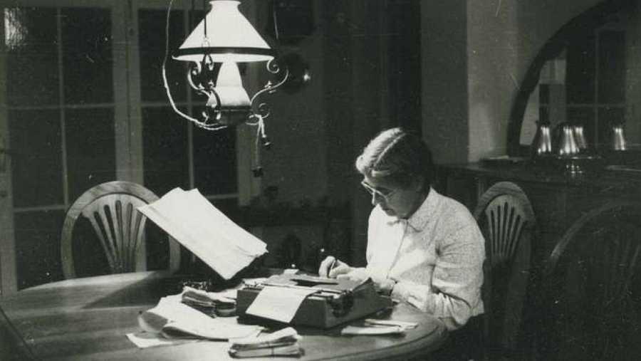 La fióloga y lexicógrafa María Moliner