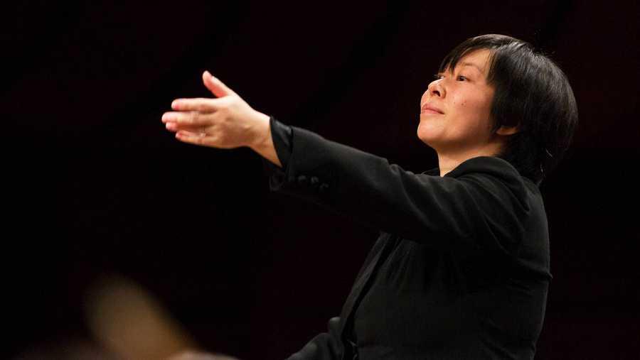 La directora Zhang Xian