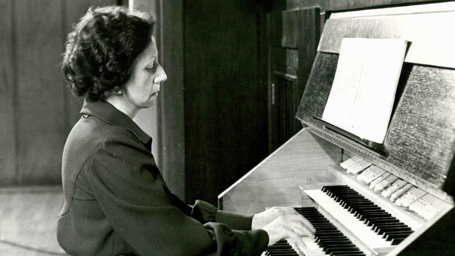 La organista española Montserrat Torrent