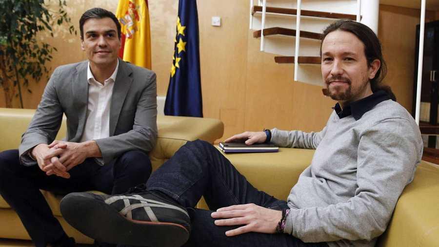 Reunión de Pedro Sánchez y Pablo Iglesias en el Congreso de los Diputados.