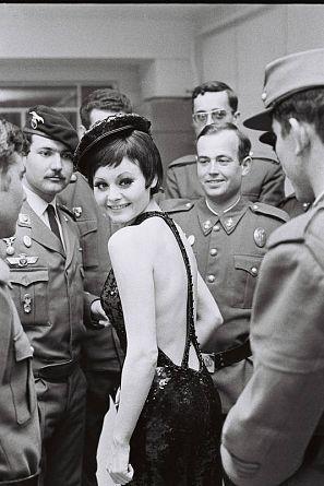 Retrato de la cantante Rocío Dúrcal