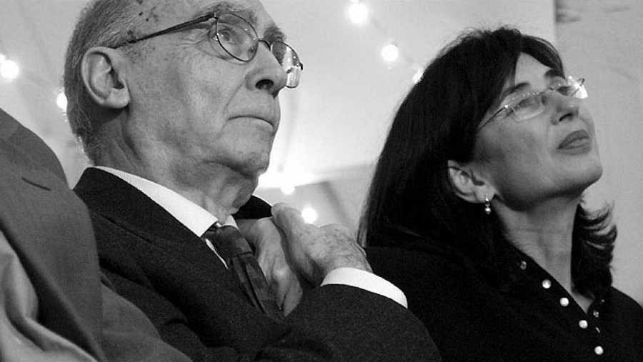 El escritor portugués, con su mujer, Pilar del Río