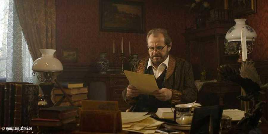 Bram Stoker escribiendo 'Drácula'