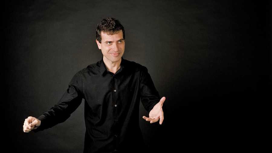 El maestro Javier Corcuera