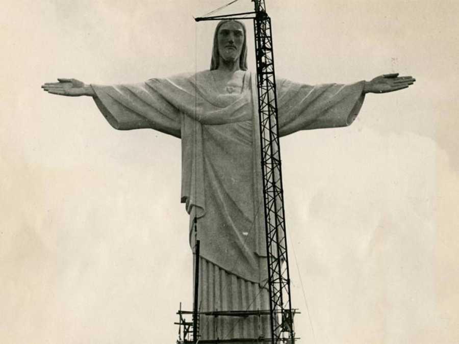 El Cristo Redentor en la última etapa de su construcción