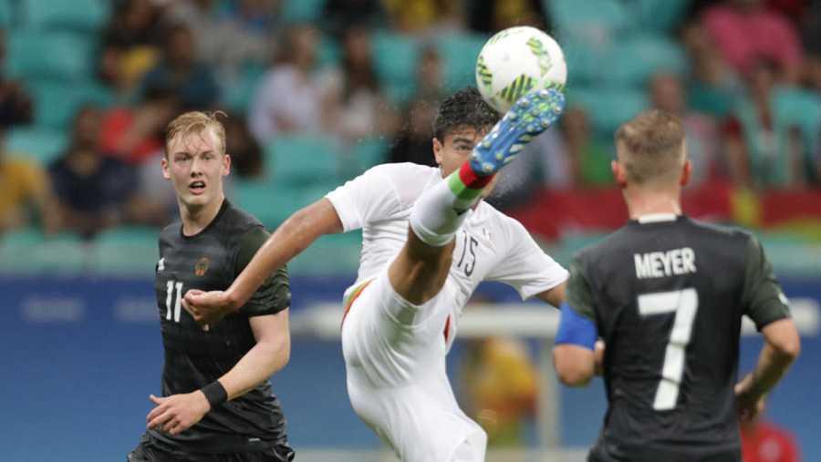 Alemania arranca un empate a dos a la vigente campeona