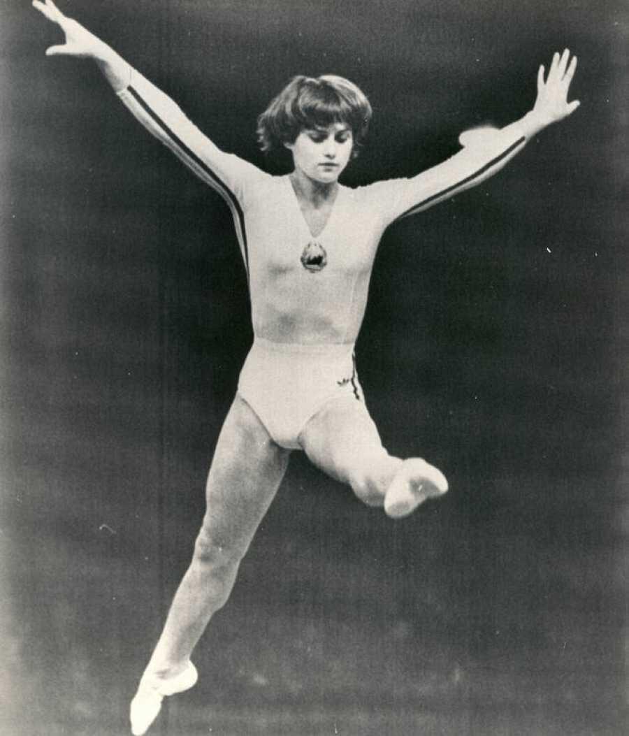 Nadia Comaneci consiguió el primer 10 en gimnasia de la historia de las Olimpiadas