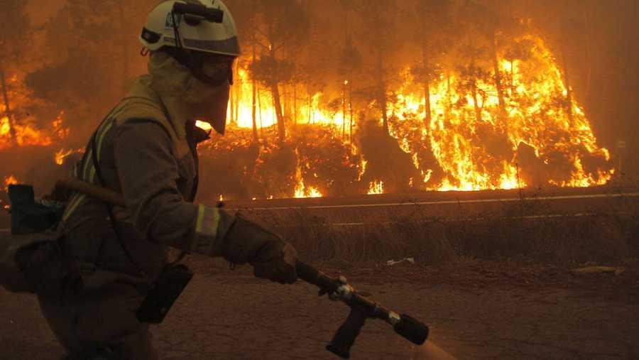 Brigadistas de las cuadrillas contraincendios en Galicia