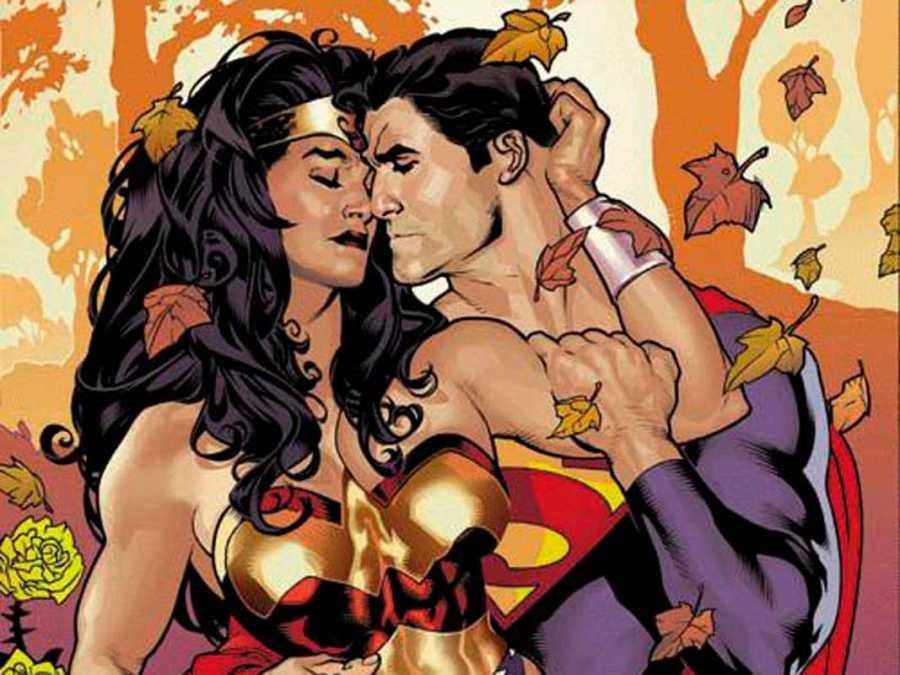 El romance de Wonder Woman y Superman visto por Adam Hughes