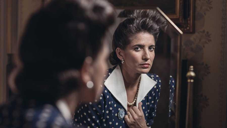 Lucía Jiménez es Virtudes, la esposa en la ficción de Eduardo Noriega en 'La sonata del silencio'