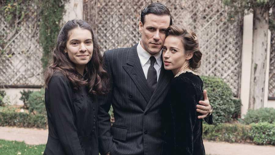 Claudia Traisac es Elena, la hija de los Montejano, en 'La sonata del Silencio'