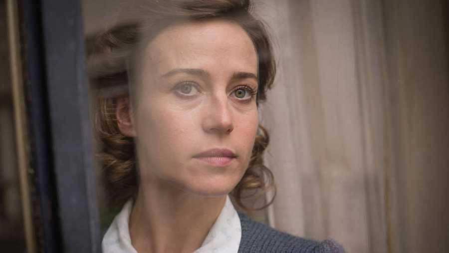 Marta Ribas es interpretada por Marta Etura en 'La sonata del silencio'