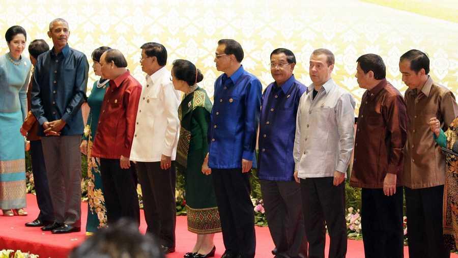Mandatarios asistentes a la cumbre de ASEAN, entre ellos, Obama y  Duterte