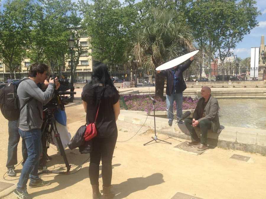 El equipo de 'La mitad invisible' con Miguel Angel Martín, realizador de TVE y autor de un  polémico programa experimental, 'Camaleón', emitido en 1991 en nuestra televisión