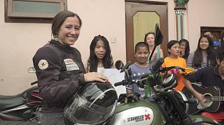 Alicia Sornosa ayuda a los damnificados del terromoto de Nepal