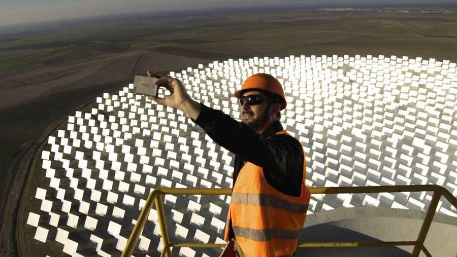 Pere Estupinyà, el 'cazador de cerebros', explora el poder de la energía solar en España