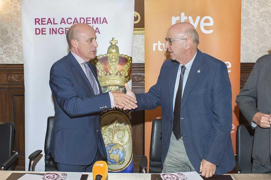 Enrique Alejo y Elías Fereres, en la firma del acuerdo