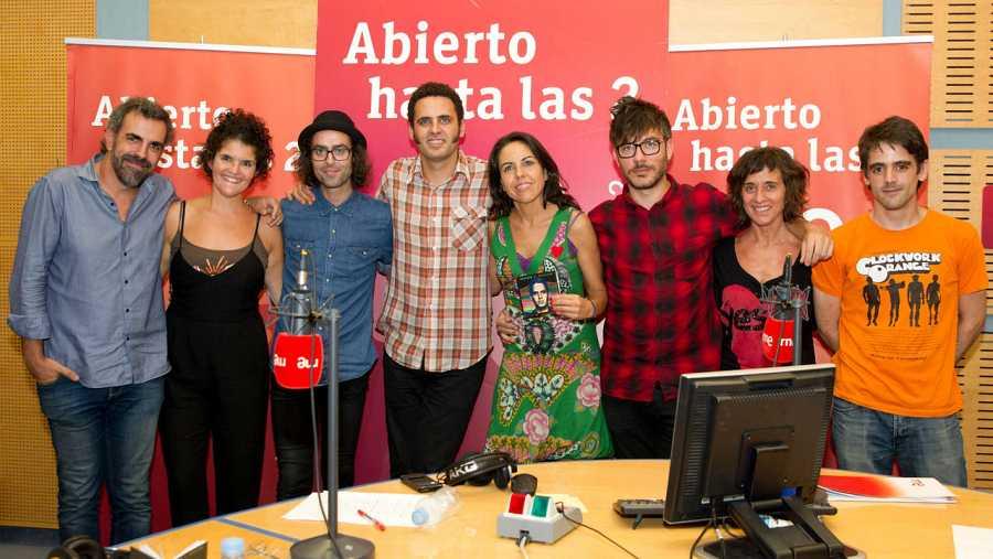 Miguel Ángel Hoyos, Patricia Costa, Antílopez y Pepa Calzada, con Zavala y Paloma Arranz