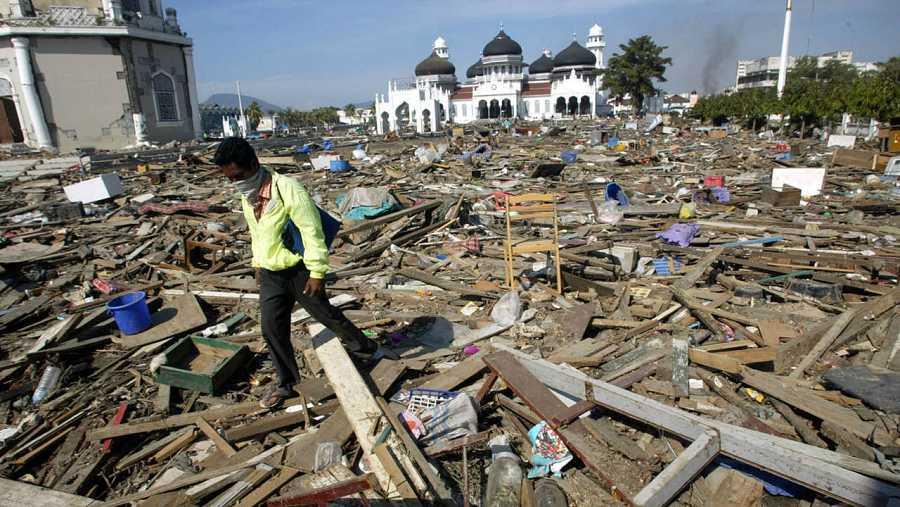 El terremoto y tsunami de 2004 en el Océano Índico dejó miles de muertos