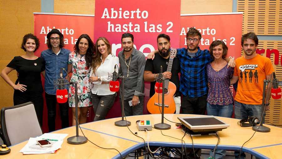 Paloma Arranz, Antílopez, Patricia Costa y el resto del equipo con nuestra última invitada